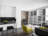 1 Bedroom Executive Apartment - Mantra 100 Exhibition Melbourne