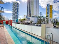 Mantra-Broadbeach-on-the-Park-Pool-Area2