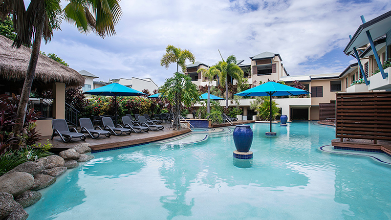 Mantra heritage port douglas resort - Hotels with saltwater swimming pools ...