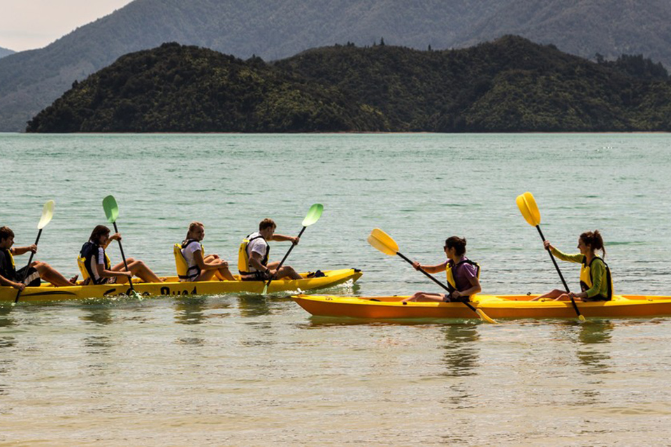 Hire or book a kayak in Rotorua